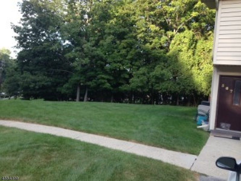 Additional photo for property listing at 366 Mohegan Circle  Lafayette, New Jersey 07848 États-Unis