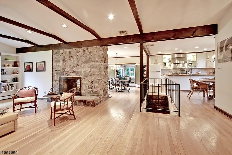 Частный односемейный дом для того Продажа на 11 Sassafras Place Gillette, 07933 Соединенные Штаты