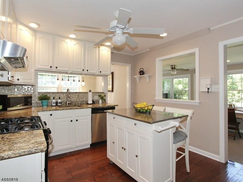 独户住宅 为 销售 在 2 BEECH Avenue Madison, 新泽西州 07940 美国
