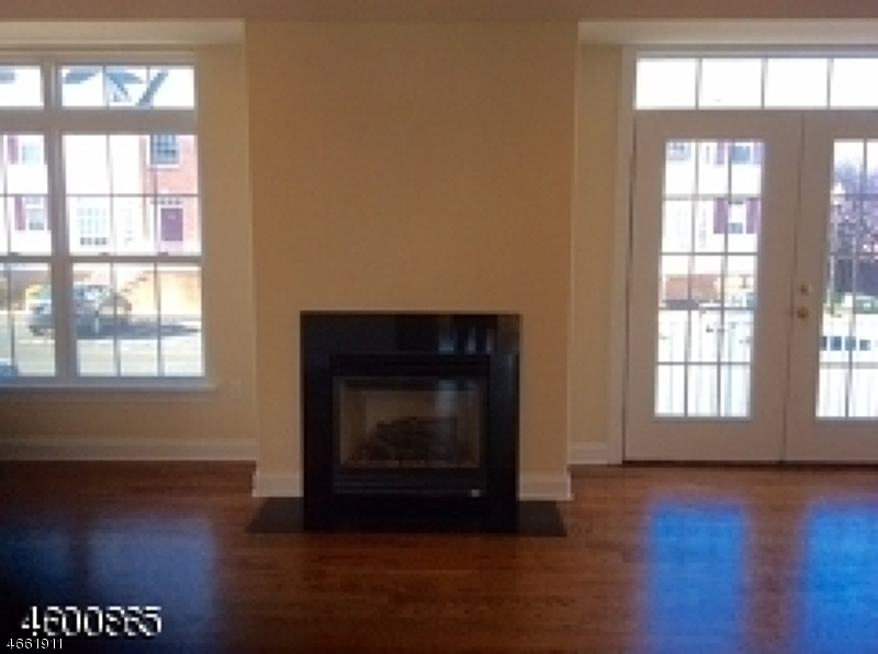 Additional photo for property listing at 1377 Essex Street  Rahway, Nueva Jersey 07065 Estados Unidos