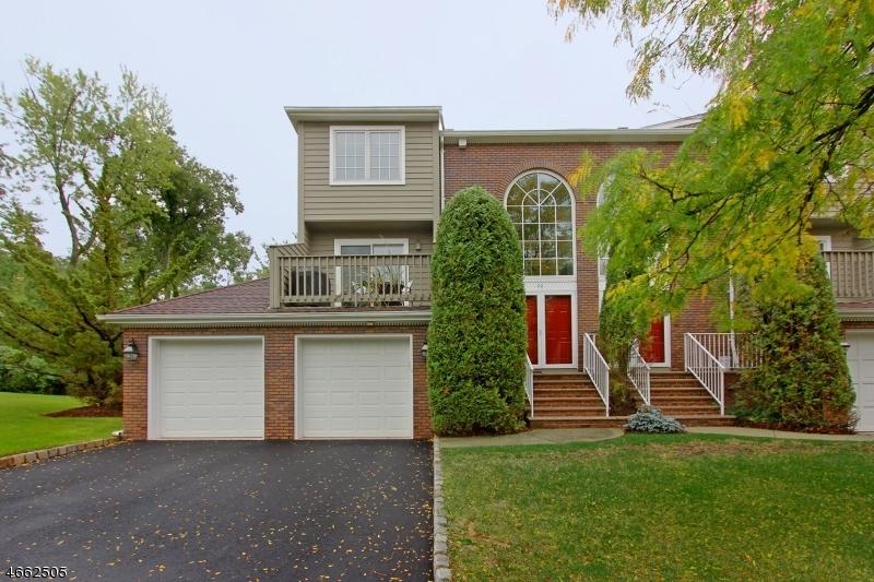 独户住宅 为 销售 在 20 Dorset Cir, C0020 Caldwell, 新泽西州 07006 美国