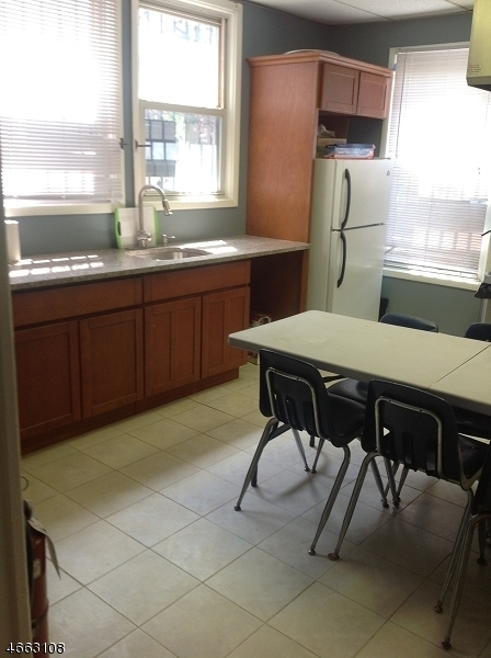 Additional photo for property listing at 13-15 CLINTON Place  纽瓦克市, 新泽西州 07108 美国