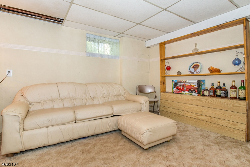 Additional photo for property listing at 23 Rockledge Ter  Wayne, New Jersey 07470 United States