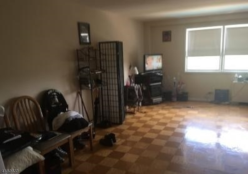 Additional photo for property listing at 39 E 39th Street  Paterson, New Jersey 07514 United States