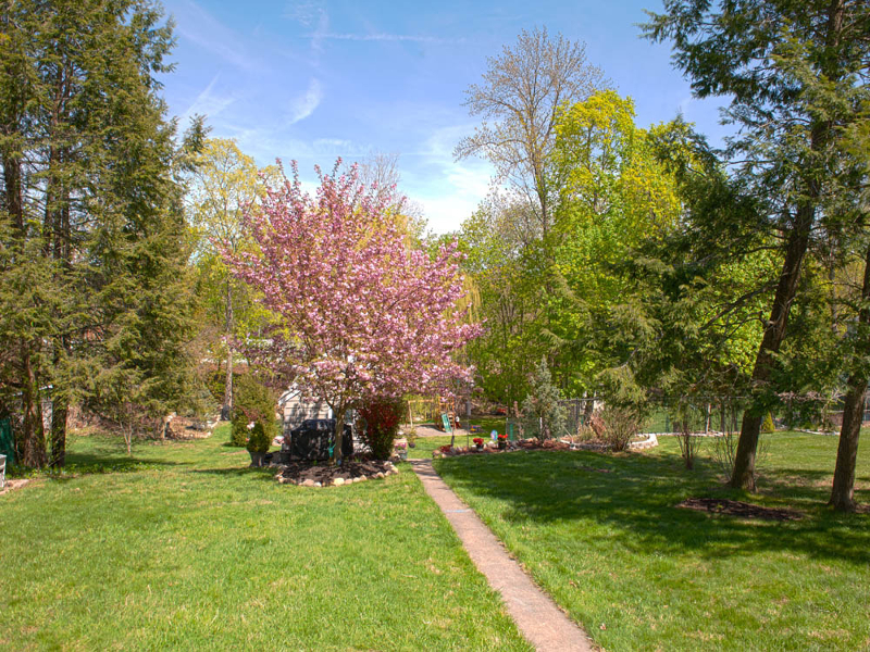 Additional photo for property listing at 42 Harrison Avenue  Haledon, 新泽西州 07508 美国