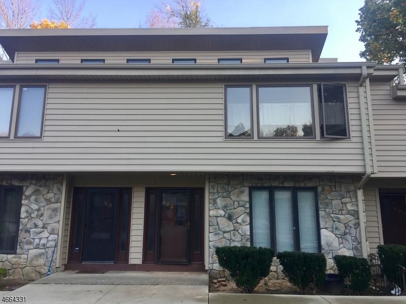 Частный односемейный дом для того Аренда на 402 Mohegan Circle Lafayette, Нью-Джерси 07848 Соединенные Штаты