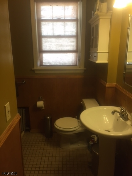 Additional photo for property listing at 47-49 OAKLAND TER  Newark, New Jersey 07106 États-Unis