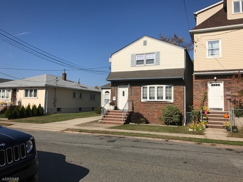 Casa Multifamiliar por un Venta en Address Not Available Garfield, Nueva Jersey 07026 Estados Unidos