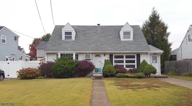 Casa Unifamiliar por un Venta en 245 NEDELLEC Drive Rochelle Park, Nueva Jersey 07662 Estados Unidos