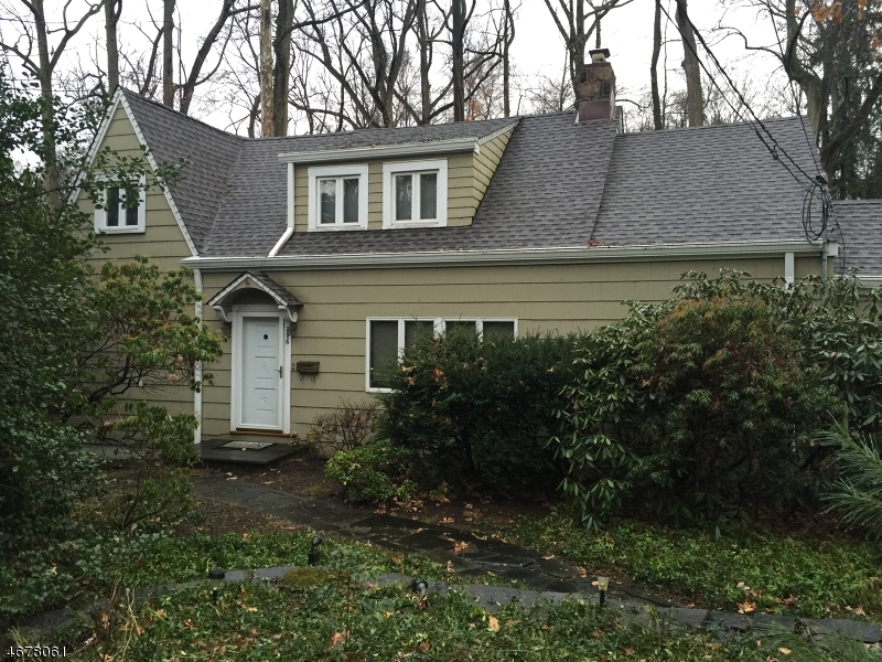 Частный односемейный дом для того Аренда на 296 Glen Avenue Short Hills, Нью-Джерси 07078 Соединенные Штаты