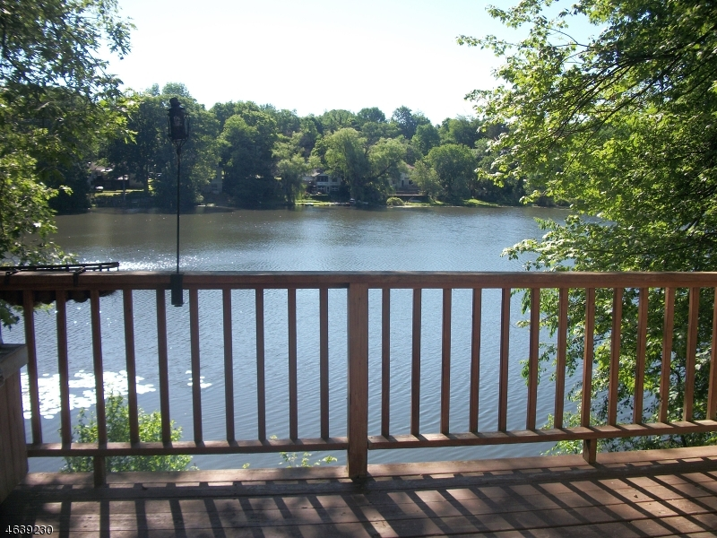 Maison unifamiliale pour l Vente à 35 W Shore Trail Stockholm, New Jersey 07460 États-Unis