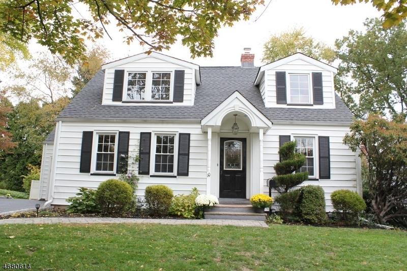 独户住宅 为 销售 在 10 Samoset Road 克兰弗德, 07016 美国