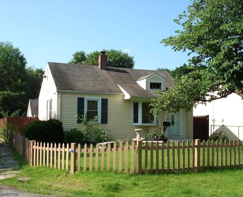 独户住宅 为 销售 在 31 Park Avenue Haskell, 07420 美国