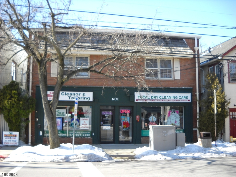 Частный односемейный дом для того Аренда на 601 Newark Pompton Tpke Pompton Plains, Нью-Джерси 07444 Соединенные Штаты