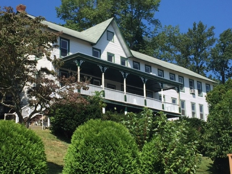 独户住宅 为 出租 在 144 Lakeside Dr W Belvidere, 新泽西州 07823 美国
