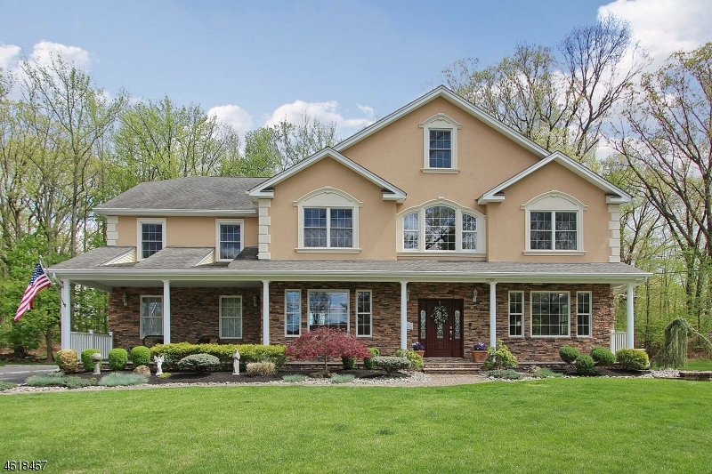 Single Family Home for Sale at 2288 Redwood Road Scotch Plains, 07076 United States