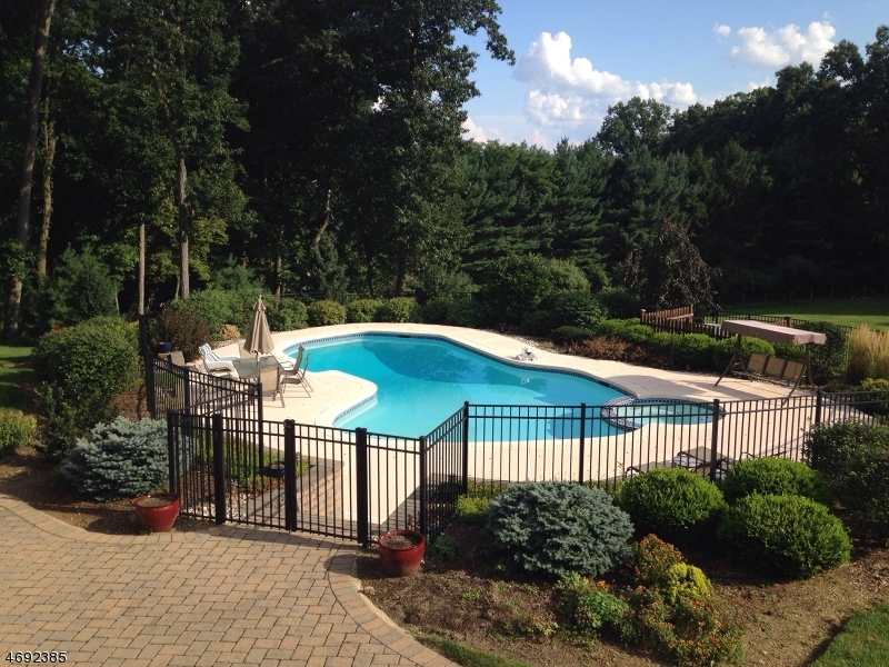 Single Family Home for Sale at 16 Walnut Hill Drive Chester, New Jersey 07930 United States