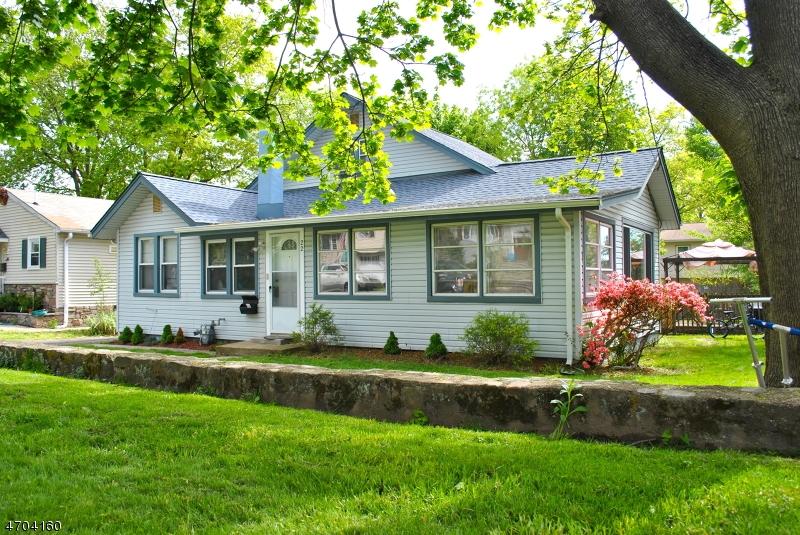 Частный односемейный дом для того Продажа на Address Not Available Lake Hiawatha, Нью-Джерси 07034 Соединенные Штаты