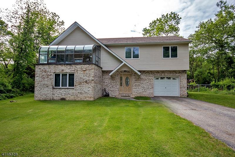 Einfamilienhaus für Verkauf beim 607 Limecrest Road 607 Limecrest Road Andover Township, New Jersey 07860 Vereinigte Staaten