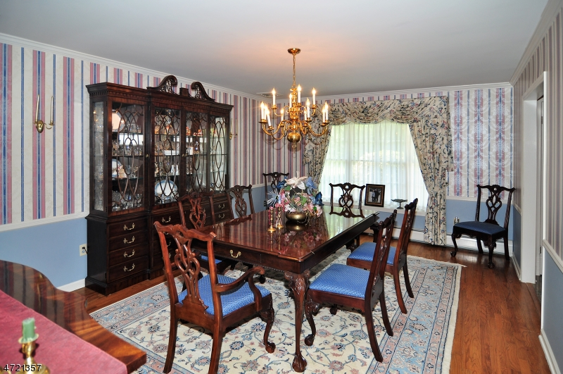 Additional photo for property listing at 9 Brittany Court  Ramsey, New Jersey 07446 Hoa Kỳ