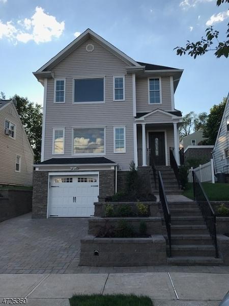 Частный односемейный дом для того Продажа на Address Not Available Bloomfield, 07003 Соединенные Штаты
