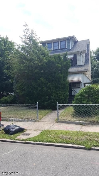Additional photo for property listing at 334 N CLINTON Street 334 N CLINTON Street East Orange, Nova Jersey 07018 Estados Unidos