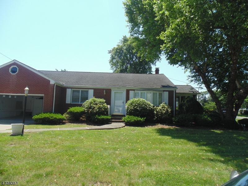 Частный односемейный дом для того Продажа на 704 Huff Avenue Manville, Нью-Джерси 08835 Соединенные Штаты