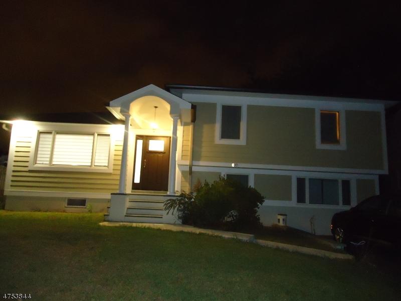 Casa Unifamiliar por un Venta en 1-07 Morlot Ave, 1X Fair Lawn, Nueva Jersey 07410 Estados Unidos