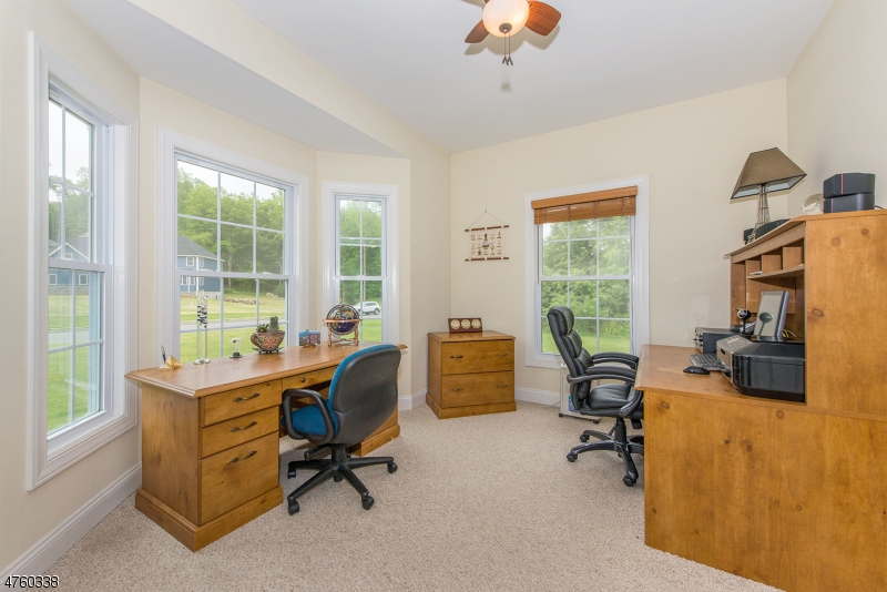 Additional photo for property listing at 22 Fawn Hollow Drive 22 Fawn Hollow Drive Newton, New Jersey 07860 Vereinigte Staaten