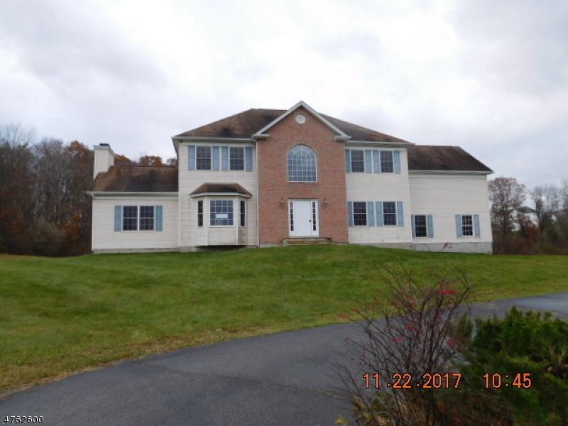 Casa Unifamiliar por un Venta en 16 Ponderosa Trail Sparta, Nueva Jersey 07871 Estados Unidos