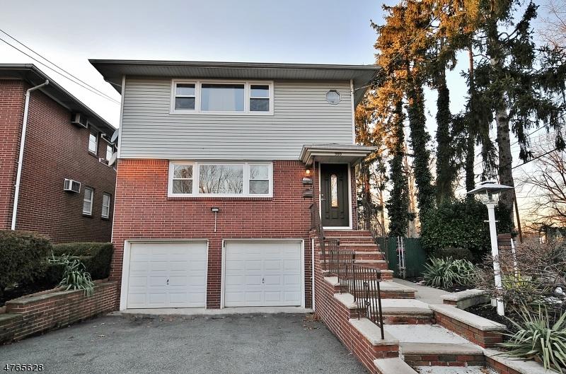 Частный односемейный дом для того Аренда на 300 Kennedy Drive Linden, Нью-Джерси 07036 Соединенные Штаты
