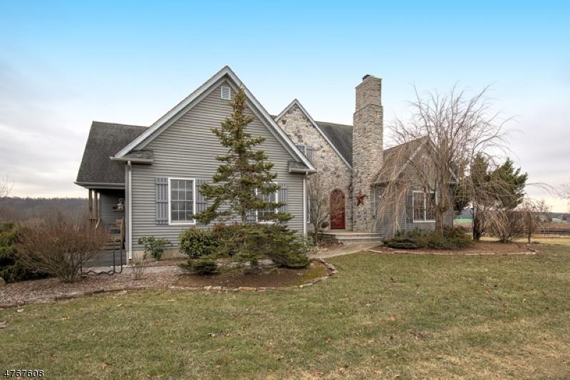 Casa Unifamiliar por un Venta en 48 Wertsville Road East Amwell, Nueva Jersey 08551 Estados Unidos