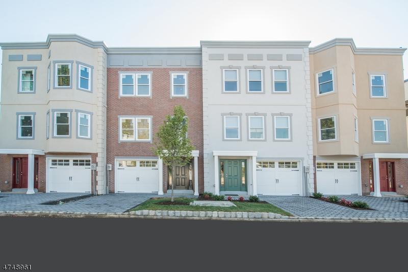 Condominio/ Casa de pueblo por un Venta en 11 Stonybrook Circle Fairfield, Nueva Jersey 07004 Estados Unidos