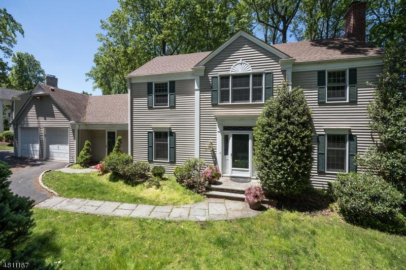 独户住宅 为 销售 在 135 SUNSET Drive 查塔姆, 新泽西州 07928 美国