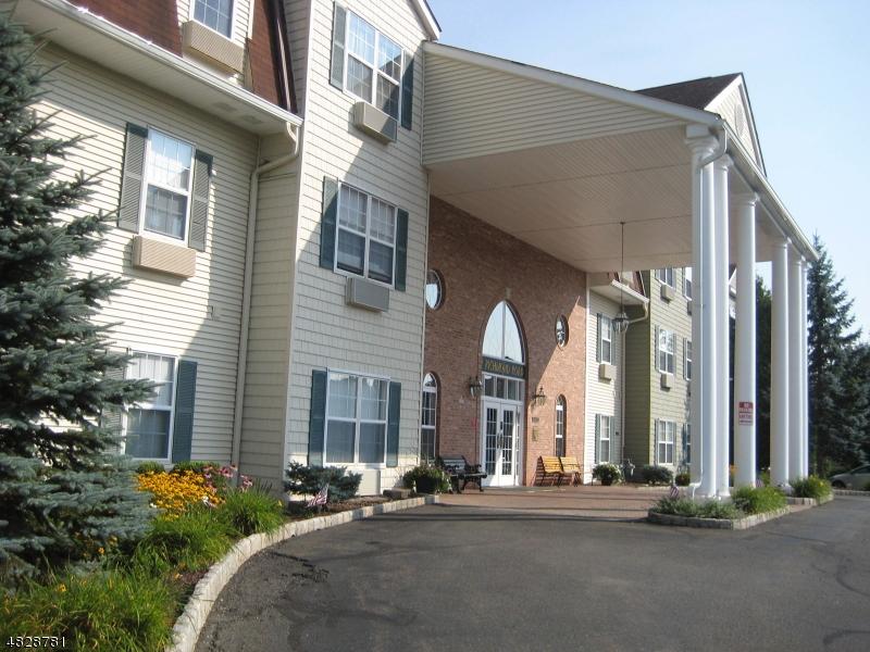 公寓 / 联排别墅 为 销售 在 2 RICHMOND ROAD/SUITE 322 西米尔福德, 新泽西州 07480 美国