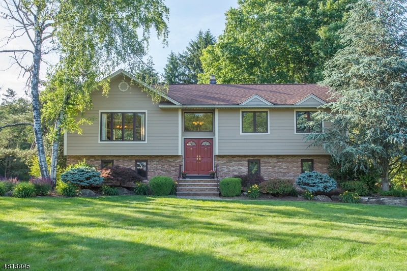 Single Family Home for Sale at 8 MARGUERITE LN 8 MARGUERITE LN Montville Township, New Jersey 07082 United States