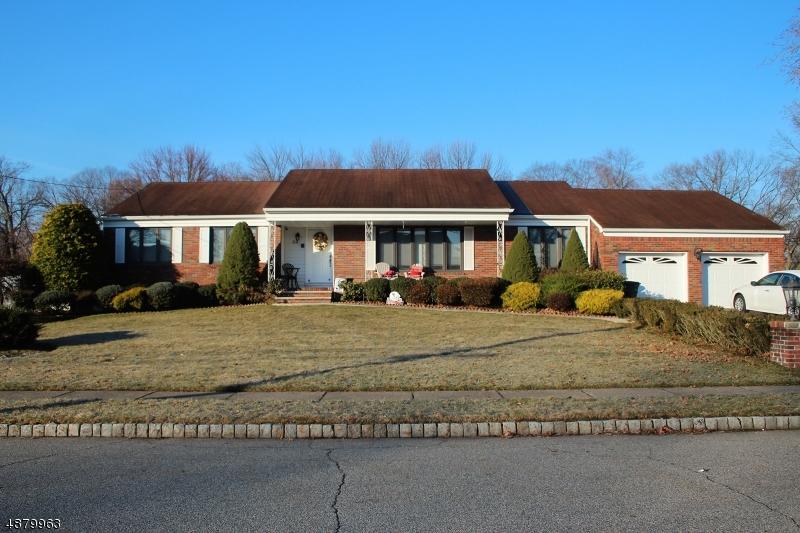 Tek Ailelik Ev için Satış at 34 ALAN Drive Fairfield, New Jersey 07004 Amerika Birleşik Devletleri