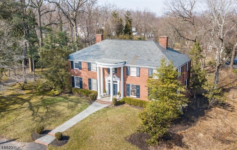 Villa per Vendita alle ore 307 HOBART Avenue Millburn, New Jersey 07078 Stati Uniti