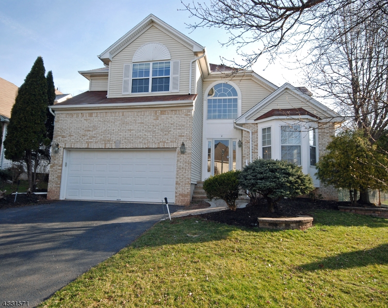 Single Family Home for Sale at 4 MURPHY Drive Bridgewater, New Jersey 08807 United States