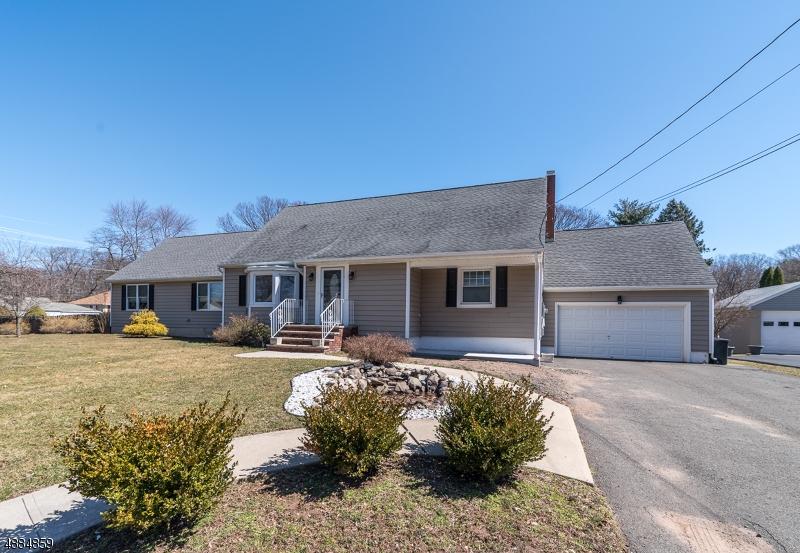 Частный односемейный дом для того Продажа на 21 MOYER Court North Haledon, Нью-Джерси 07508 Соединенные Штаты
