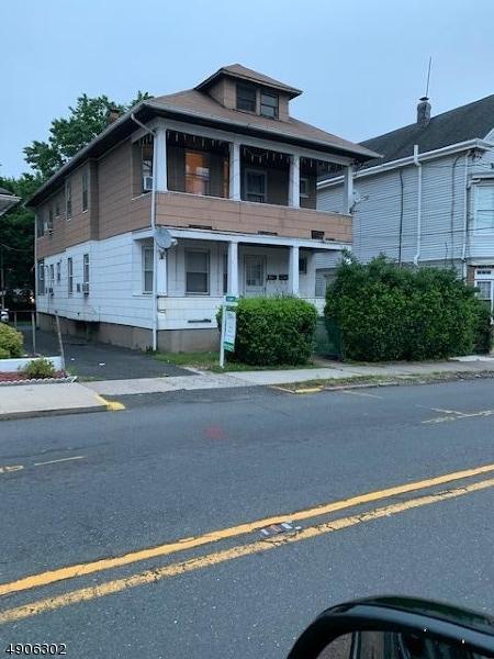 Multi-Family Homes للـ Sale في Haledon, New Jersey 07508 United States
