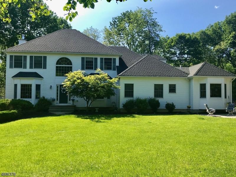 single family homes для того Продажа на Green Township, Нью-Джерси 07821 Соединенные Штаты