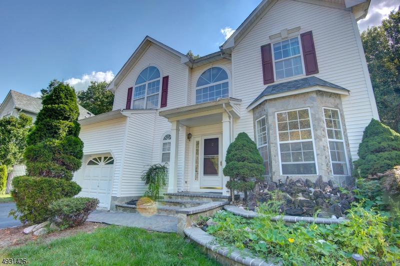 Single Family Homes per Vendita alle ore Matawan, New Jersey 07747 Stati Uniti
