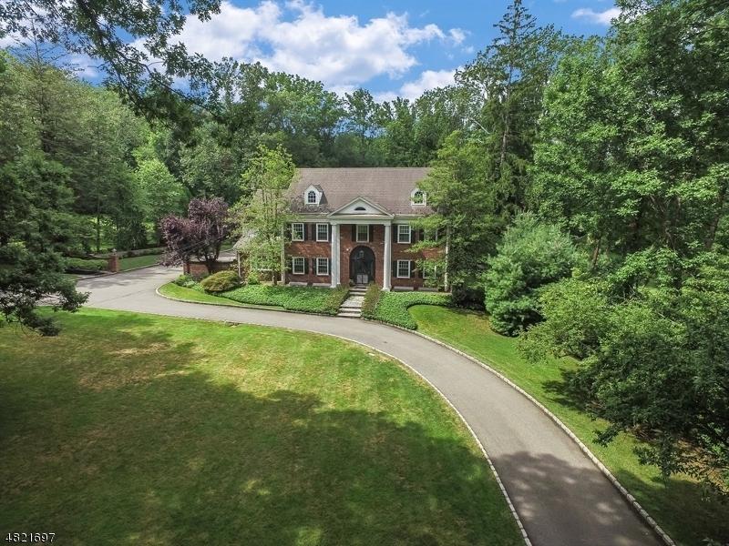 Single Family Homes 為 出售 在 Essex Fells, 新澤西州 07021 美國