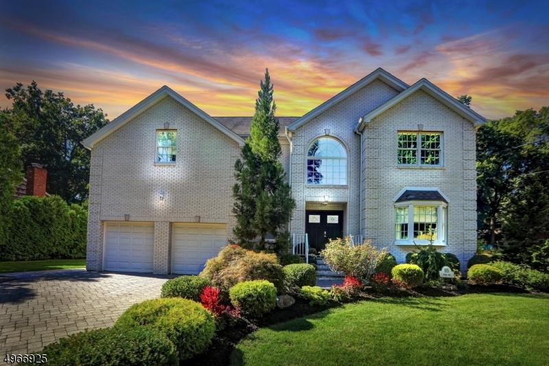 Single Family Homes por un Venta en 185 JORDAN Road Emerson, Nueva Jersey 07630 Estados Unidos