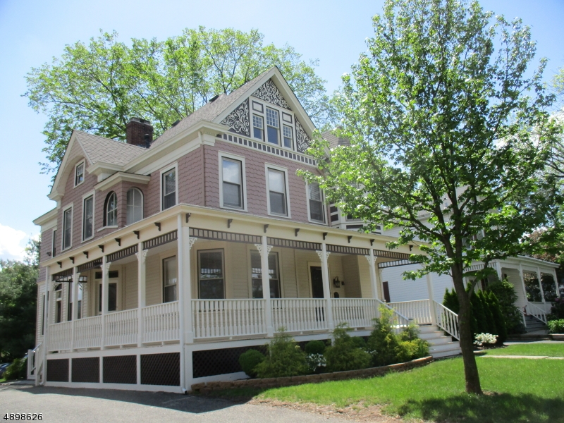 Single Family Homes para Venda às Somerville, Nova Jersey 08876 Estados Unidos