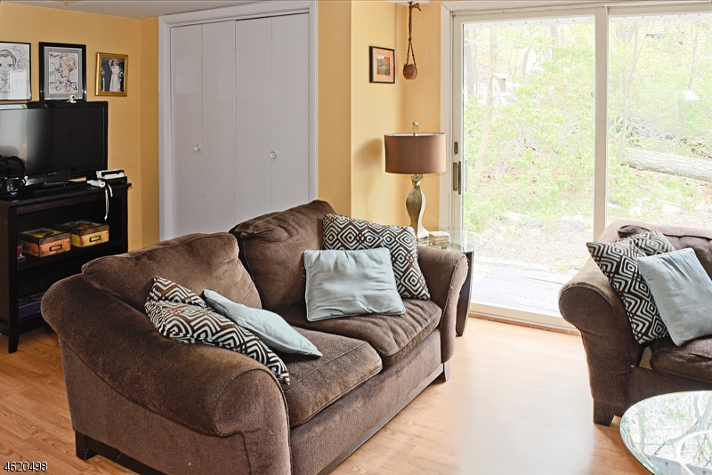 Additional photo for property listing at 7 Sylvan Lane  Denville, New Jersey 07834 United States