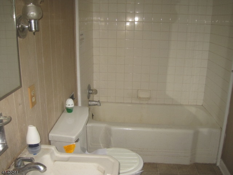 Additional photo for property listing at 51 Brunswick Avenue  Bloomsbury, Нью-Джерси 08804 Соединенные Штаты