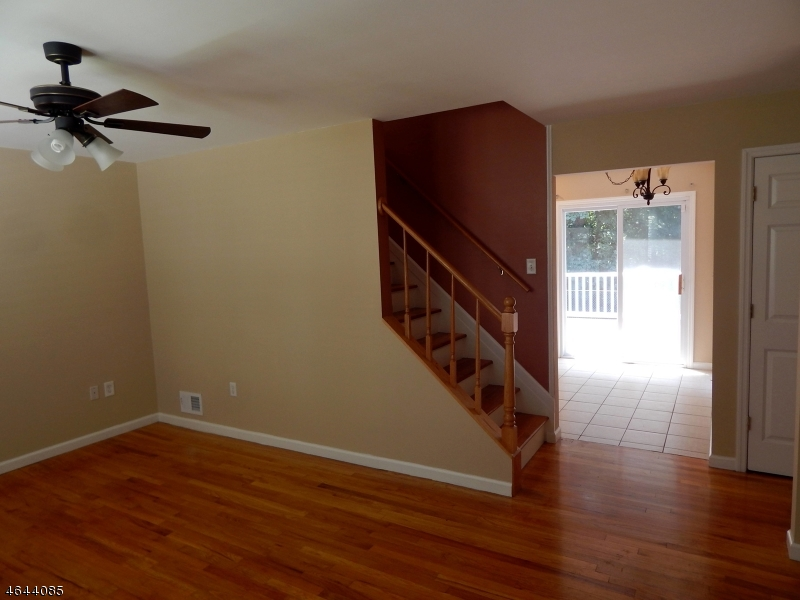 Additional photo for property listing at 15 Louis Street  Parlin, New Jersey 08859 États-Unis