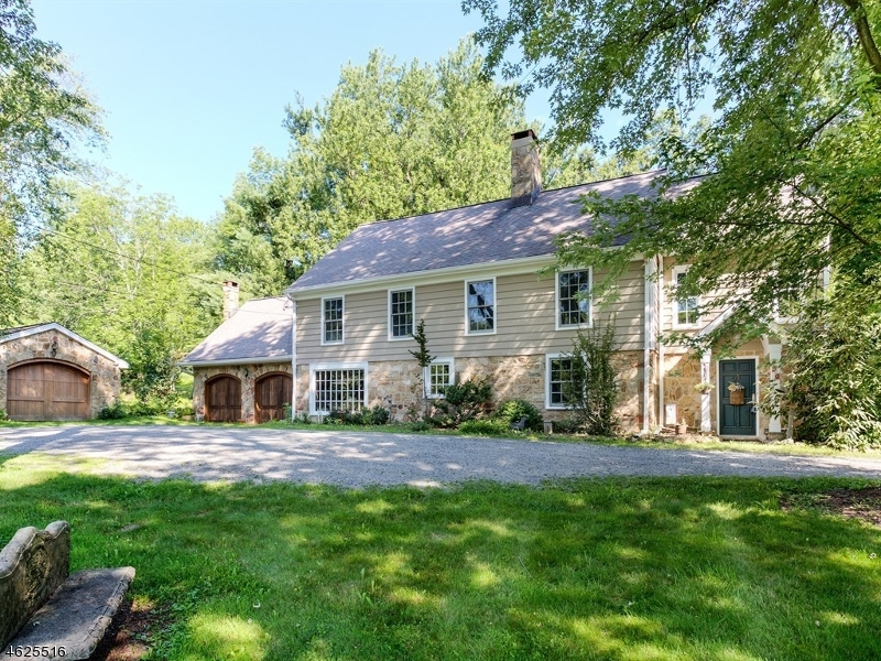 Additional photo for property listing at 90 E Valley Brook Road  Long Valley, New Jersey 07853 États-Unis